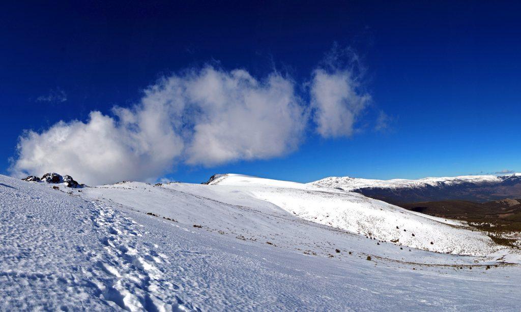 Subida hacia el collado de la Najarra por su ladera norte