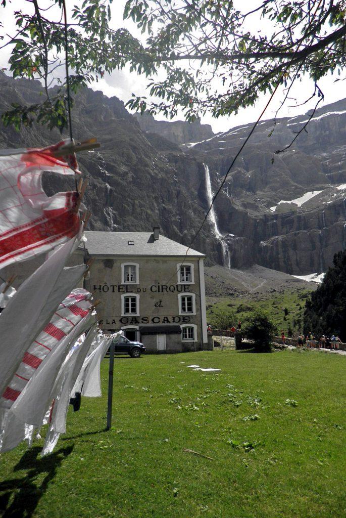 Circo y Gran Cascada de Gavarnie. Pirineo francés.