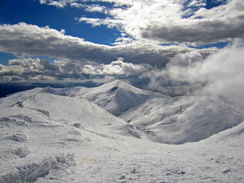 Vista de vertiente sur del Pico del Lobo