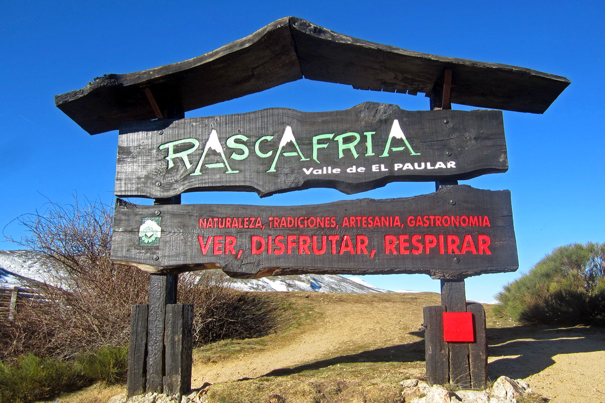 Puerto de la Morcuera (1.796 m) .
