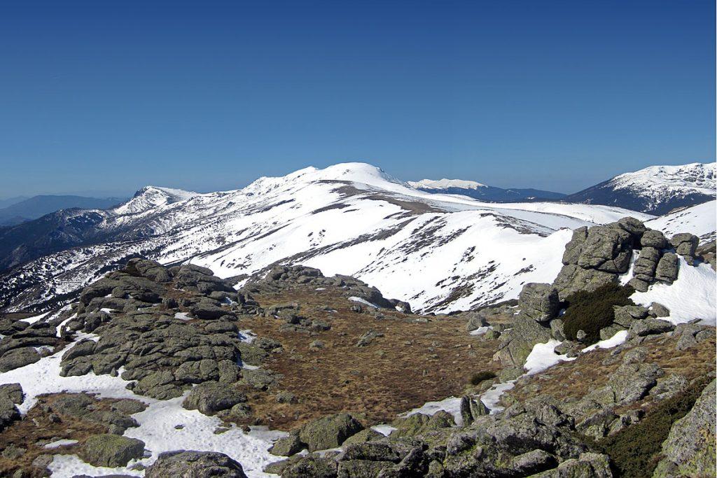 Vista de la Cuerda Larga desde la Loma de Bailanderos (2133m)