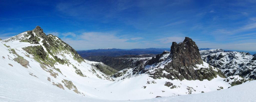 Pico de la Galana y Ameal de Pablo desde el Aventeadero.