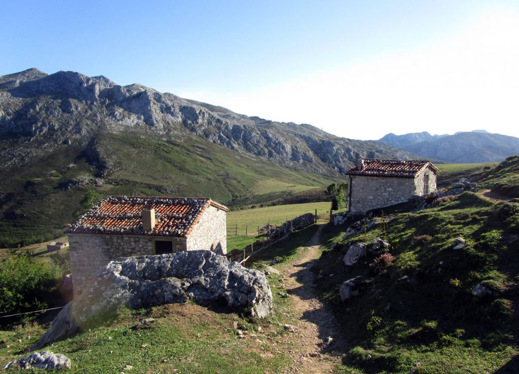 Del Collado de Pandébano (Sotres) al Refugio Urriellu (Naranjo de Bulnes) – Picos de Europa