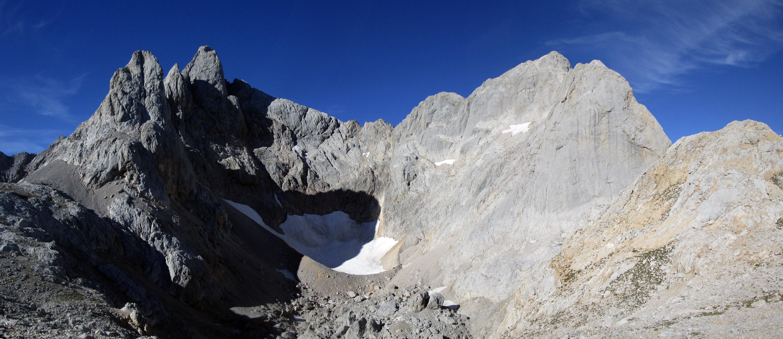 Glaciarismo en los Picos de Europa – El Jou Negro