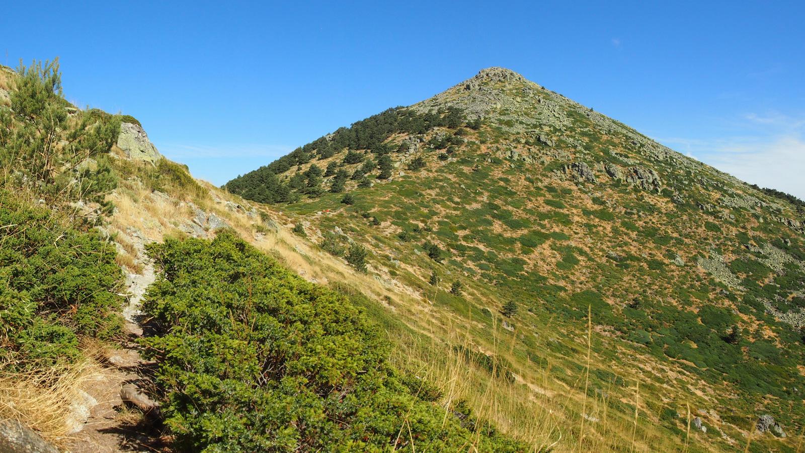 Montón de Trigo desde la ladera norte del Cerro Minguete
